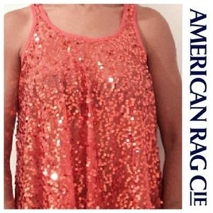 💚3/$20- NWOT -American Rag Cie Sequined Top (S)